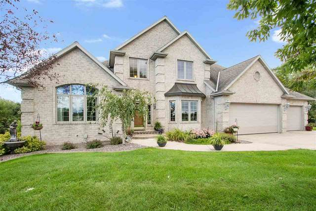 2569 Whispering Oak Court, De Pere, WI 54115 (#50216971) :: Dallaire Realty
