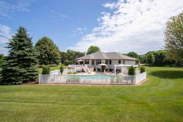 2908 Hidden Lake Lane, Green Bay, WI 54313 (#50217668) :: Todd Wiese Homeselling System, Inc.