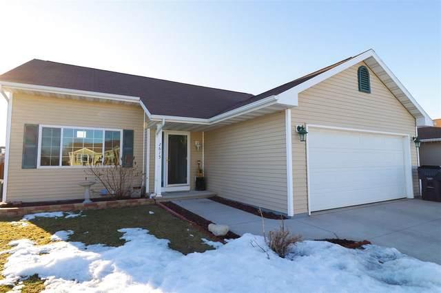 2615 Grassy Lane, Neenah, WI 54956 (#50218181) :: Todd Wiese Homeselling System, Inc.