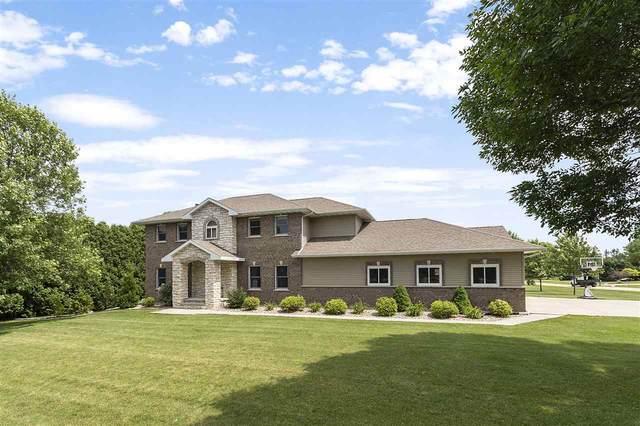 1996 Iroquois Court, Oshkosh, WI 54901 (#50225522) :: Carolyn Stark Real Estate Team