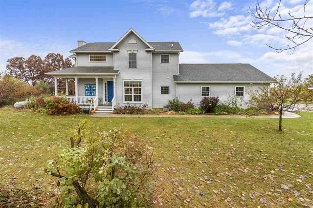 3925 W Oakridge Road, Larsen, WI 54947 (#50231469) :: Ben Bartolazzi Real Estate Inc