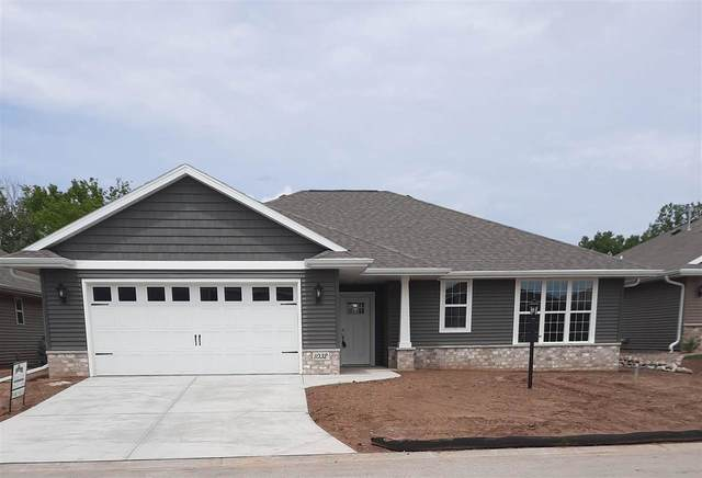 1032 W Cecilia Court, Appleton, WI 54913 (#50234437) :: Todd Wiese Homeselling System, Inc.
