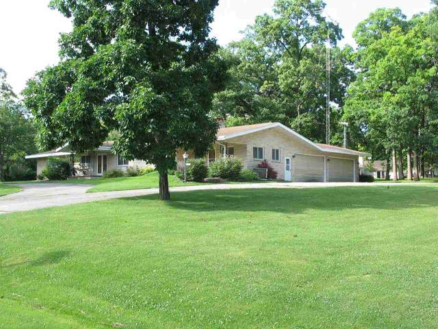 1796 Crown Drive, Oshkosh, WI 54904 (#50243961) :: Town & Country Real Estate