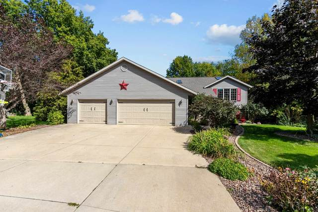 114 Lamine Lane, Combined Locks, WI 54113 (#50248984) :: Todd Wiese Homeselling System, Inc.