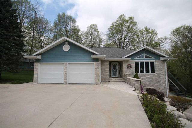 N8250 Evergreen Road, Mount Calvary, WI 53057 (#50183279) :: Dallaire Realty