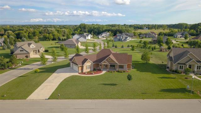 5039 W Red Barn Court, Appleton, WI 54913 (#50191151) :: Dallaire Realty