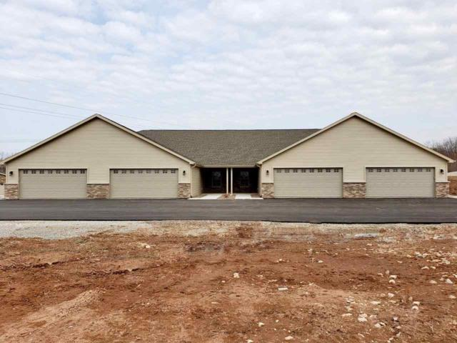2133 Royal Crest Circle #2, Green Bay, WI 54311 (#50196236) :: Todd Wiese Homeselling System, Inc.