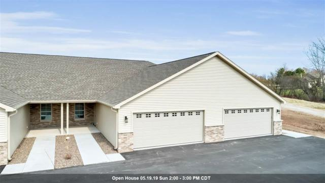 2135 Royal Crest Circle #1, Green Bay, WI 54311 (#50201448) :: Dallaire Realty
