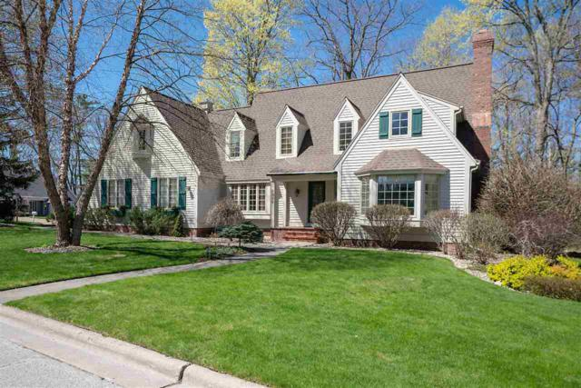 1020 Village Green Court, Green Bay, WI 54313 (#50202857) :: Dallaire Realty