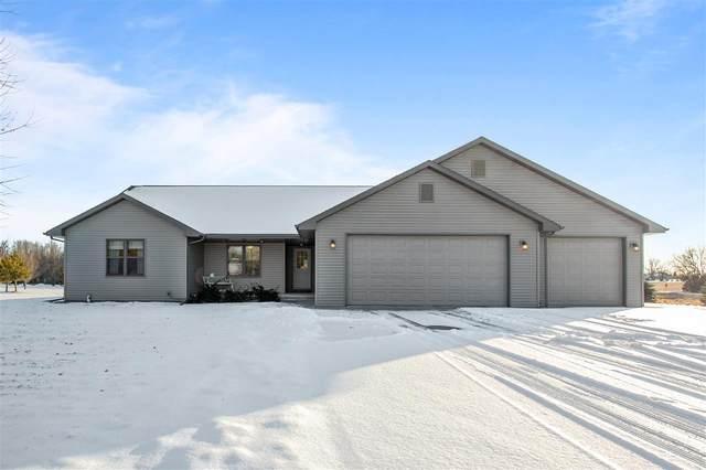 3277 Wismer Lane, Neenah, WI 54956 (#50216140) :: Todd Wiese Homeselling System, Inc.