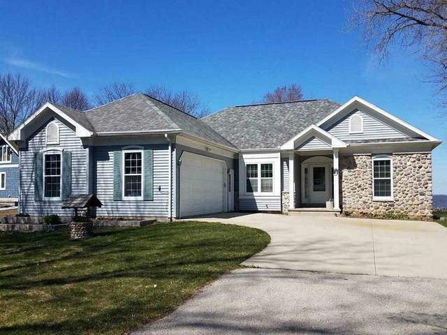N8474 Minawa Beach Road, Fond Du Lac, WI 54937 (#50217615) :: Dallaire Realty