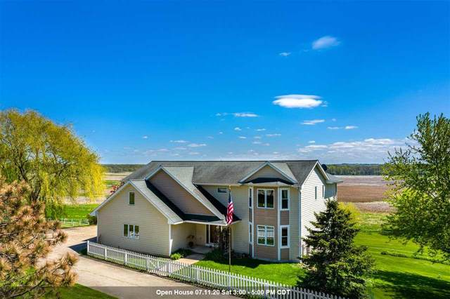 8619 Edgewater Ridge, Omro, WI 54963 (#50218401) :: Todd Wiese Homeselling System, Inc.