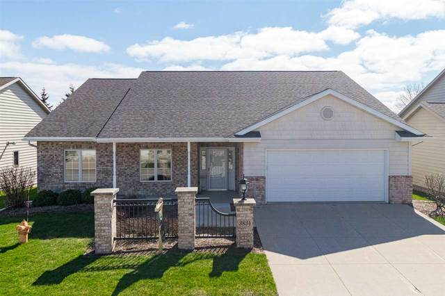 3834 N Crosscreek Circle, Appleton, WI 54913 (#50221141) :: Dallaire Realty