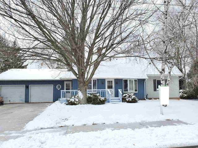 111 Elm Street, Brillion, WI 54110 (#50230687) :: Dallaire Realty