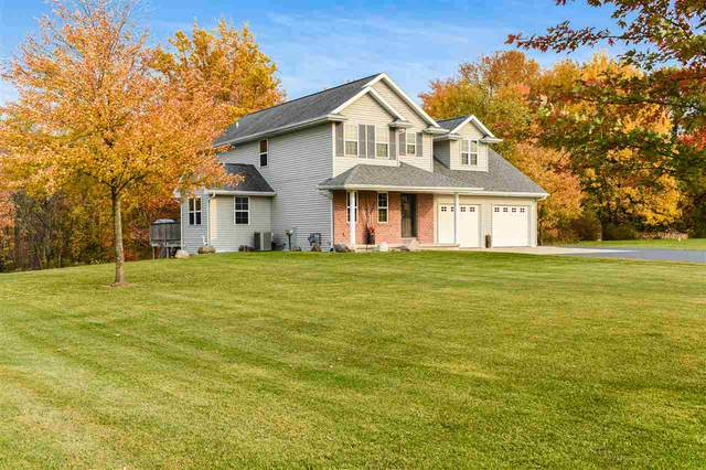 388 Falcon Circle, Pulaski, WI 54162 (#50232529) :: Dallaire Realty