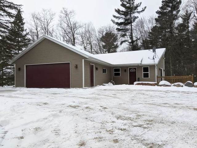 W10784 Shaky Lake Road, Hortonville, WI 54944 (#50232939) :: Dallaire Realty