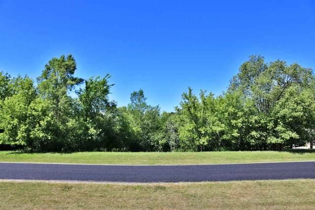 Ravine Way #38, Oshkosh, WI 54904 (#50123987) :: Carolyn Stark Real Estate Team