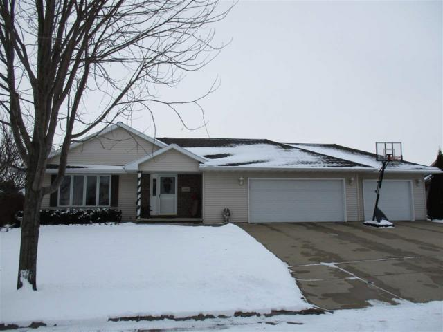 120 Kayla Street, Combined Locks, WI 54113 (#50175693) :: Dallaire Realty