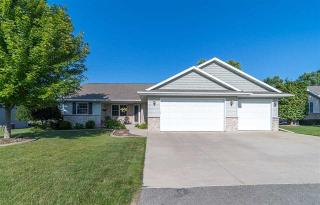1414 Chesterfield Court, Menasha, WI 54952 (#50189077) :: Symes Realty, LLC