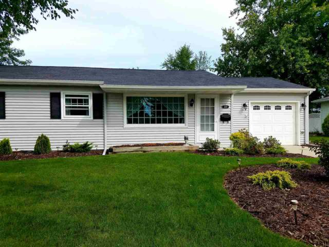 2110 Pleasant Avenue, New Holstein, WI 53061 (#50191077) :: Todd Wiese Homeselling System, Inc.