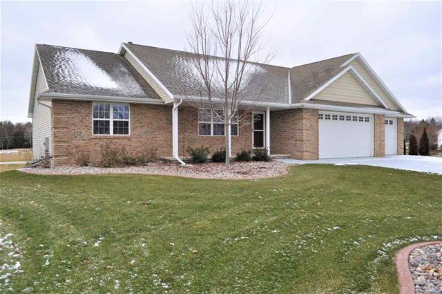 2937 Firethorn Court, Suamico, WI 54313 (#50192298) :: Dallaire Realty