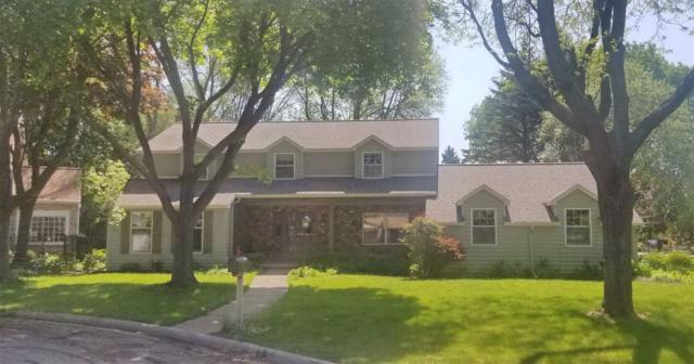 3033 Ridgeview Court, Green Bay, WI 54301 (#50204116) :: Todd Wiese Homeselling System, Inc.
