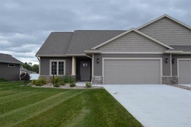 803 Mahogany Circle, De Pere, WI 54115 (#50208208) :: Todd Wiese Homeselling System, Inc.