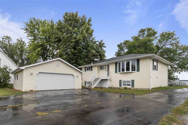 812 S Railroad Street, Kimberly, WI 54136 (#50210039) :: Dallaire Realty
