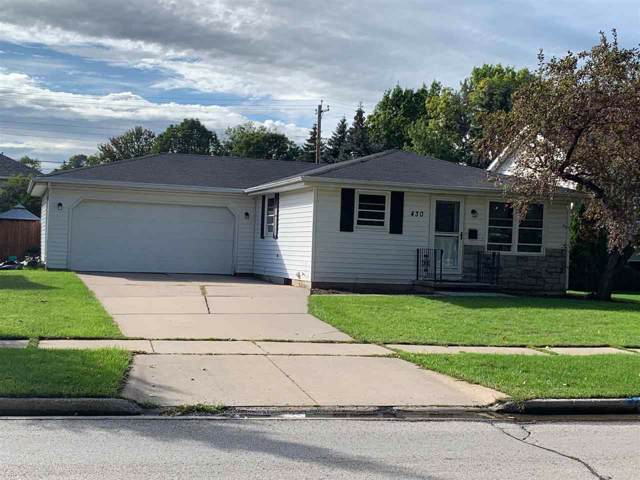 430 Suburban Drive, De Pere, WI 54115 (#50211335) :: Todd Wiese Homeselling System, Inc.
