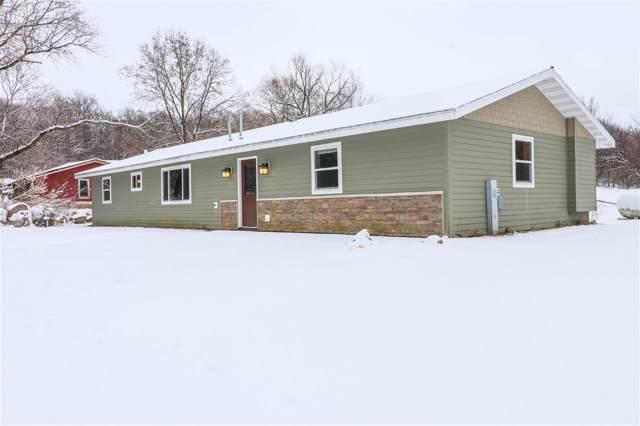 N2604 Hwy E, Waupaca, WI 54981 (#50212026) :: Todd Wiese Homeselling System, Inc.