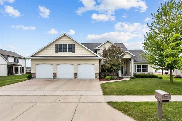 5561 N Calmes Drive, Appleton, WI 54913 (#50241601) :: Todd Wiese Homeselling System, Inc.