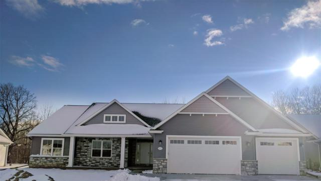 2033 Big Bend Drive, Neenah, WI 54956 (#50189389) :: Todd Wiese Homeselling System, Inc.