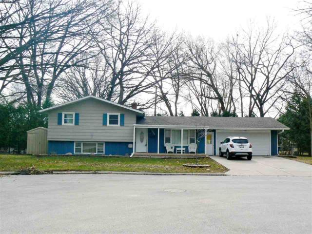 1000 Kenwood Court, Green Bay, WI 54304 (#50193519) :: Todd Wiese Homeselling System, Inc.