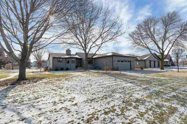 2994 Blue Moon Drive, Green Bay, WI 54311 (#50194715) :: Todd Wiese Homeselling System, Inc.