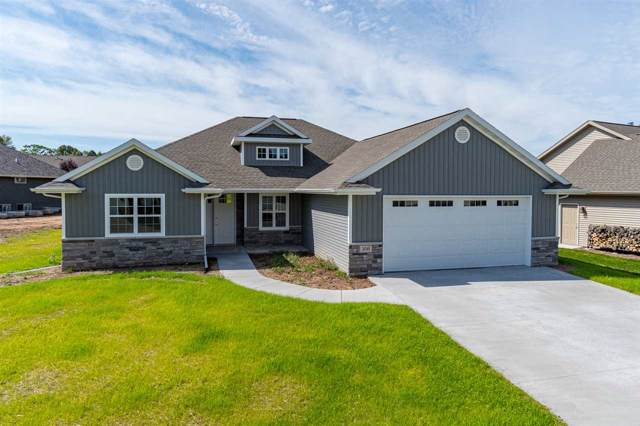 306 Hidden Ridges Court, Combined Locks, WI 54113 (#50203575) :: Dallaire Realty