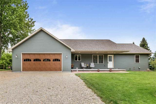 560 N Nash Street, Hortonville, WI 54944 (#50211869) :: Todd Wiese Homeselling System, Inc.