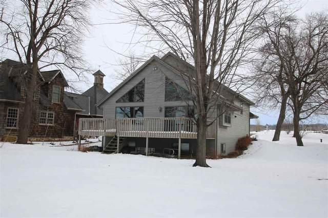 N9356 Elm Beach Road, Fond Du Lac, WI 54937 (#50212216) :: Todd Wiese Homeselling System, Inc.