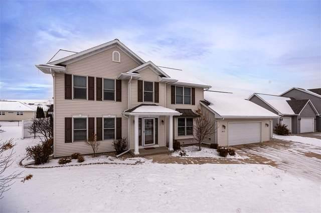 1613 Lone Oak Drive, Neenah, WI 54956 (#50212824) :: Todd Wiese Homeselling System, Inc.