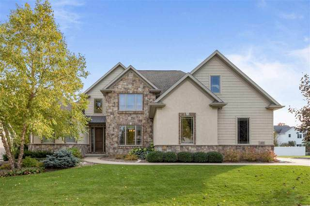 325 E Wentworth Lane, Appleton, WI 54913 (#50213010) :: Todd Wiese Homeselling System, Inc.