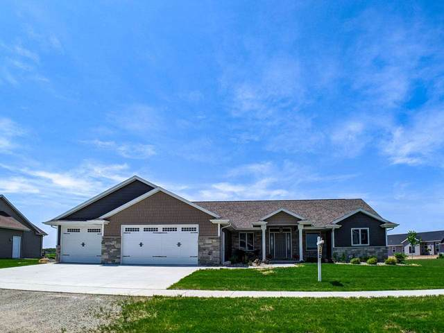 5371 N Providence Avenue, Appleton, WI 54913 (#50221210) :: Todd Wiese Homeselling System, Inc.