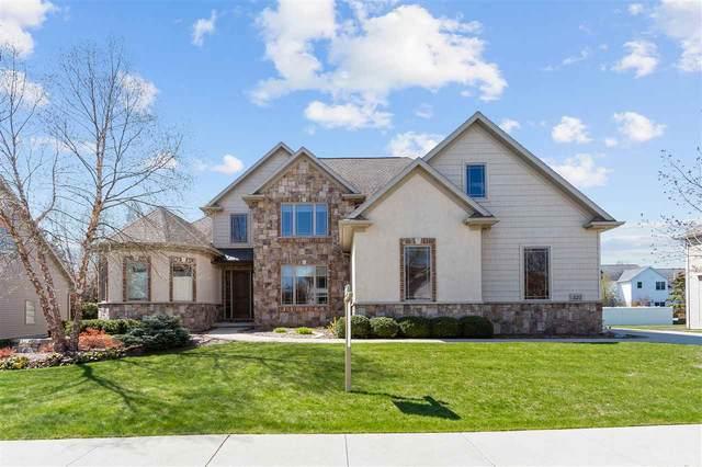 325 E Wentworth Lane, Appleton, WI 54913 (#50222169) :: Ben Bartolazzi Real Estate Inc