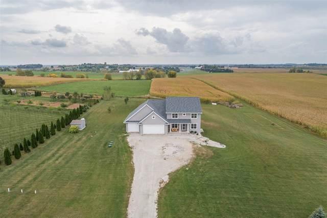 W9833 Cloverleaf Road, Hortonville, WI 54944 (#50229987) :: Ben Bartolazzi Real Estate Inc