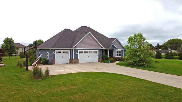 5247 Notre Dame Drive, Omro, WI 54963 (#50243827) :: Town & Country Real Estate