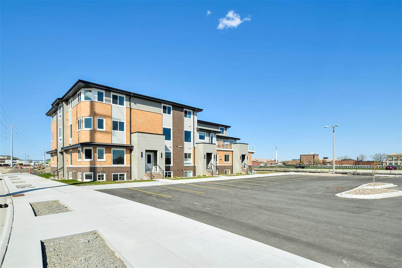 400 Donald Driver Way - Photo 1