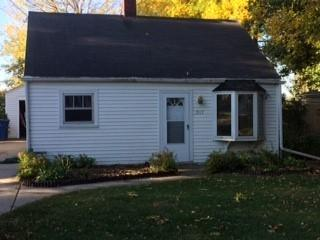 517 Dutton Avenue, Green Bay, WI 54304 (#50172976) :: Todd Wiese Homeselling System, Inc.