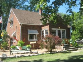 2305 Velp Avenue, Green Bay, WI 54303 (#50173014) :: Todd Wiese Homeselling System, Inc.