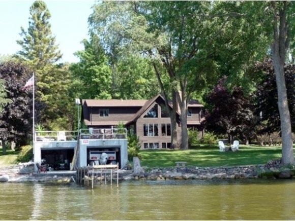 N6569 Harrison Road, Hilbert, WI 54129 (#50173311) :: Todd Wiese Homeselling System, Inc.
