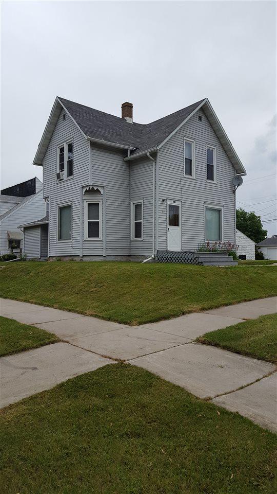 617 Kenneth Avenue, Kaukauna, WI 54130 (#50179064) :: Todd Wiese Homeselling System, Inc.