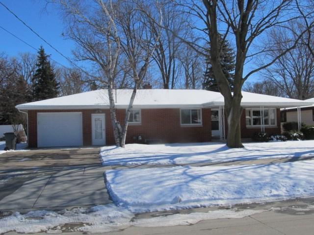 204 Fillmore Street, Kaukauna, WI 54130 (#50179199) :: Todd Wiese Homeselling System, Inc.