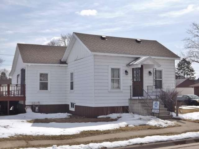 502 3RD Street, Oconto, WI 54153 (#50180937) :: Dallaire Realty
